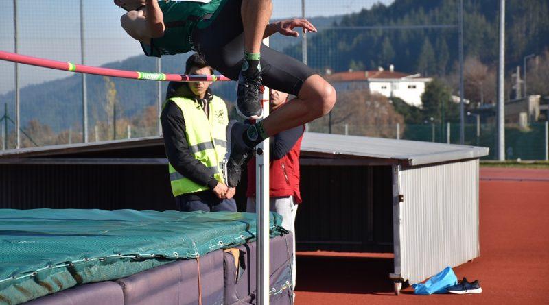 Rafael Carvalho bate Recorde Regional salto em altura